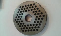 Сетка с отверстиями 5мм для электромясорубки (d сетки - 82мм)